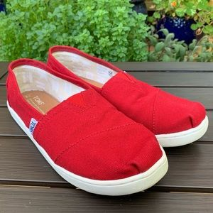 TOMS Youth Classics size 5